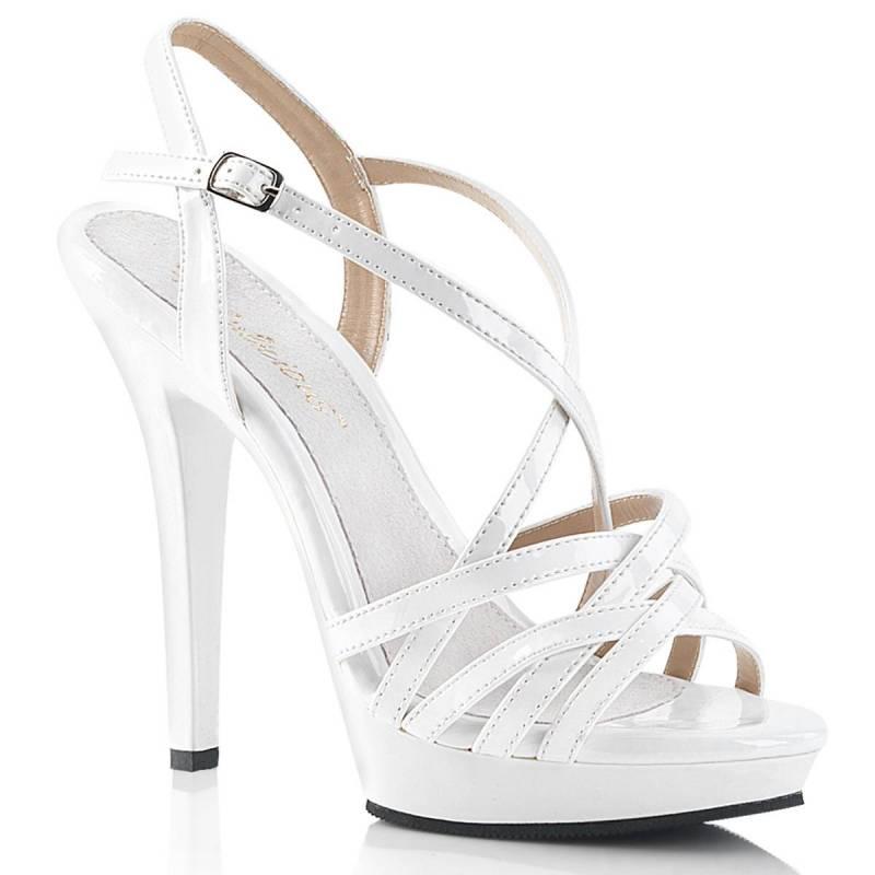 Fehér lakk táncos cipők strasszköves szandál